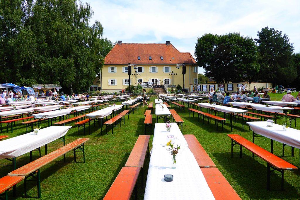 Das Festgelände von Sommer im Park in Roggden